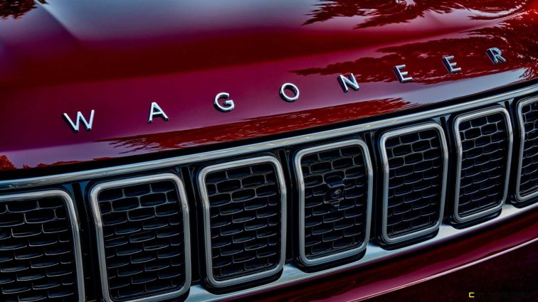 2022-jeep-wagoneer-exterior-badging