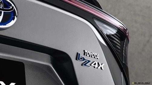 toyota-bz4x-north-american-debut-badge