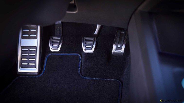 2022-volkswagen-golf-r-us-version-pedals
