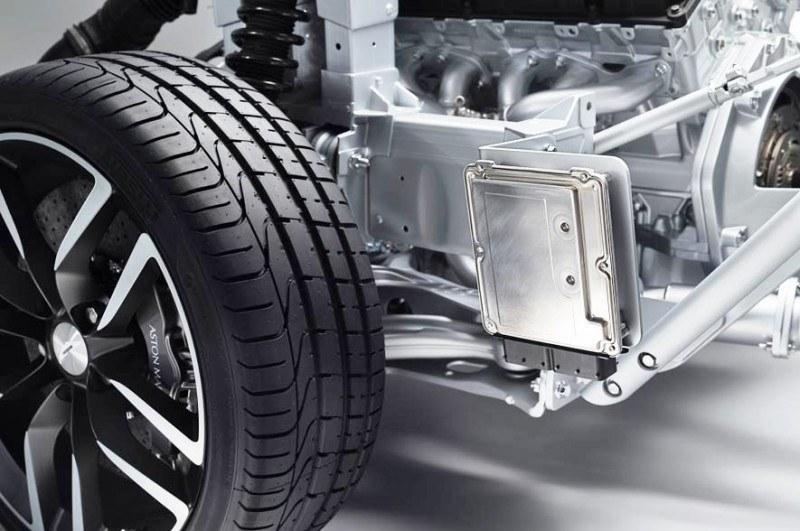 3.6s 2015 Aston Martin VANQUISH Adds Amazing ZF 8-Speed Auto for 201-MPH Vmax 37