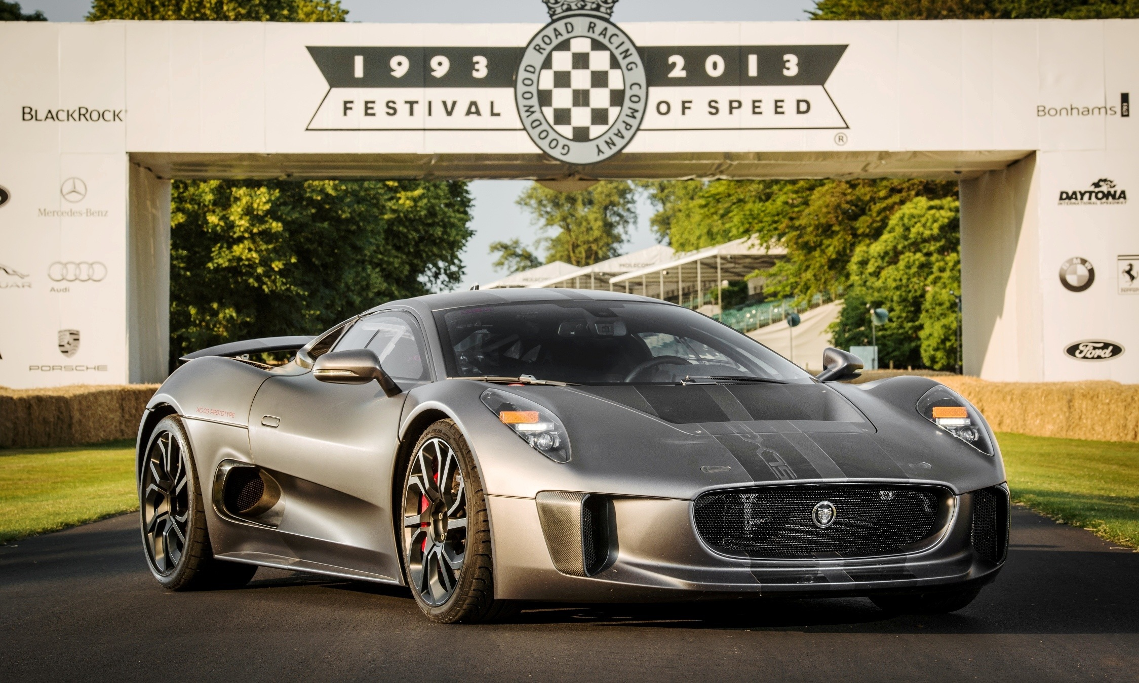 Canned Hypercar Debrief 2010 JAGUAR C X75 Is Too y For Its