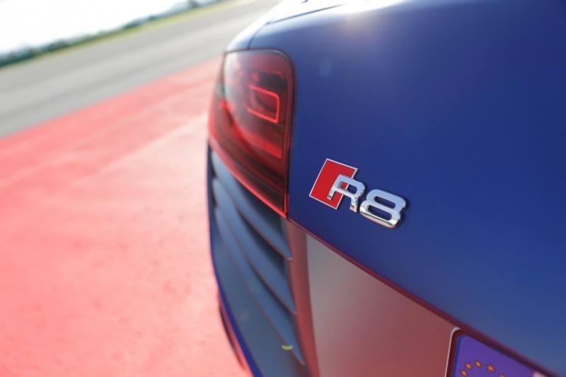 Car-Revs-Daily.com 2014 AUDI R8 V10 Plus in Sepang Matte Metallic Blue 48