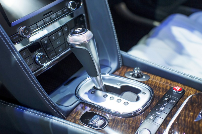 Car-Revs-Daily.com 2015 Bentley Flying Spur V8 Debuts in Moscow 17