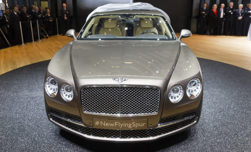 Car-Revs-Daily.com 2015 Bentley Flying Spur V8 Debuts in Moscow 4