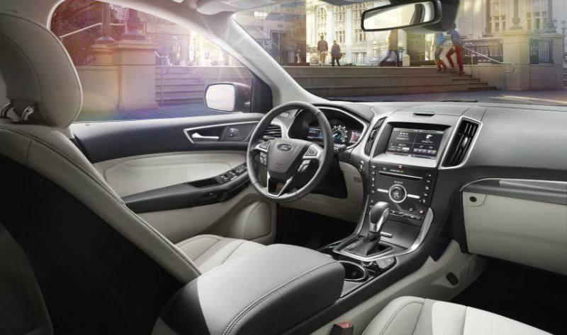 Car-Revs-Daily.com 2015 Ford Edge Sport and Titanium INTERIOR 29