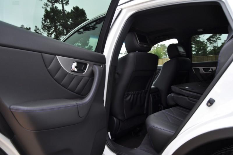 Car-Revs-Daily.com 2015 INFINITI QX70S 1