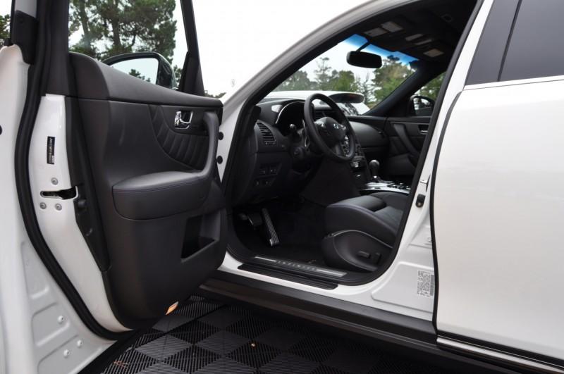 Car-Revs-Daily.com 2015 INFINITI QX70S 5