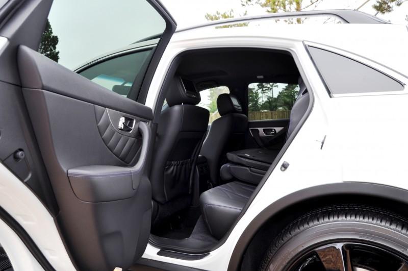 Car-Revs-Daily.com 2015 INFINITI QX70S 64