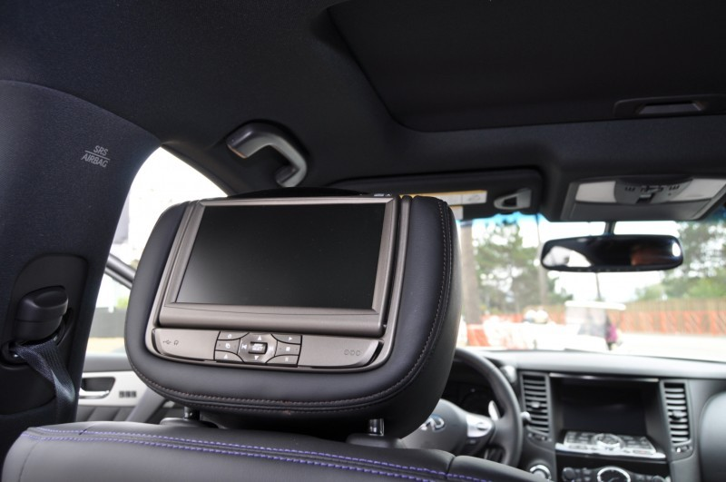 Car-Revs-Daily.com 2015 INFINITI QX70S 9
