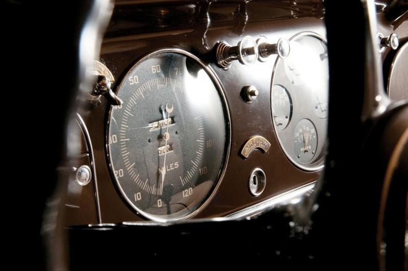 Car-Revs-Daily.com RM Auctions Motor City 2014 Preview - 1934 Chrysler Airflow Eight Sedan 13