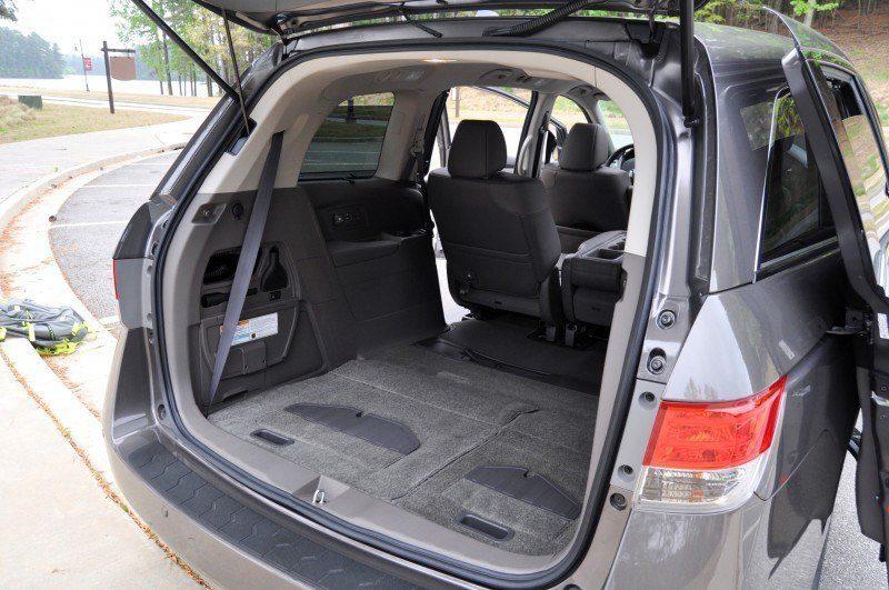 Car-Revs-Daily.com Road Test Review - 2014 Honda Odyssey Touring Elite 26