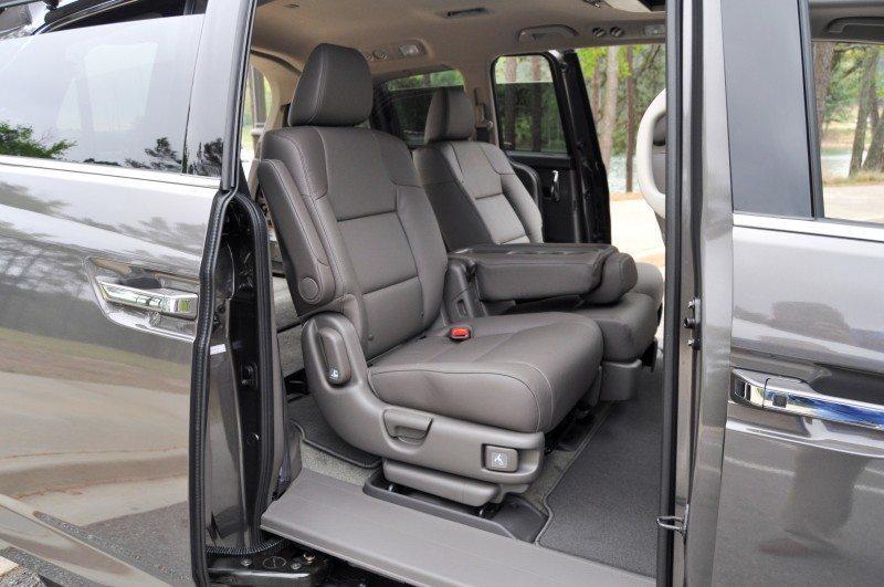 Car-Revs-Daily.com Road Test Review - 2014 Honda Odyssey Touring Elite 28