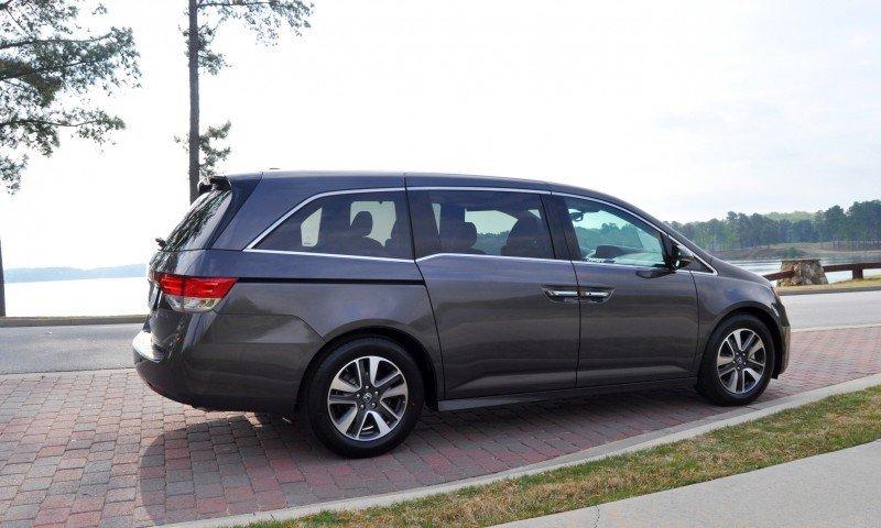 Car-Revs-Daily.com Road Test Review - 2014 Honda Odyssey Touring Elite 4