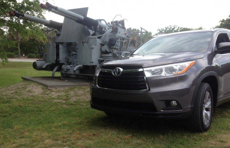 Car-Revs-Daily.com Road Test Review - 2014 Toyota Highlander XLE V6 157