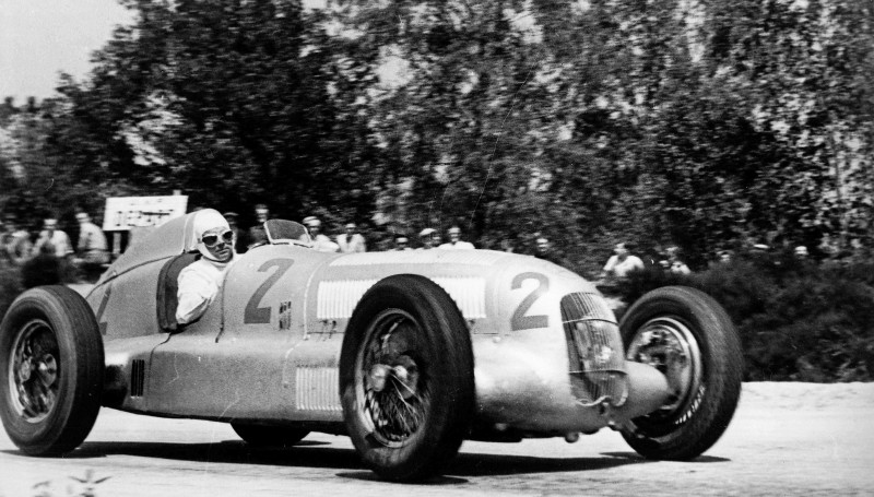 CarRevsDaily - Hour of the Silver Arrows - Action Photography 14