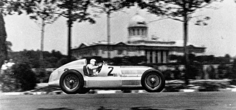CarRevsDaily - Hour of the Silver Arrows - Action Photography 15