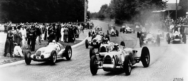 CarRevsDaily - Hour of the Silver Arrows - Action Photography 26