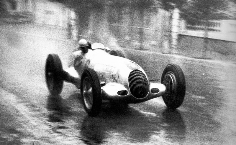 CarRevsDaily - Hour of the Silver Arrows - Action Photography 96