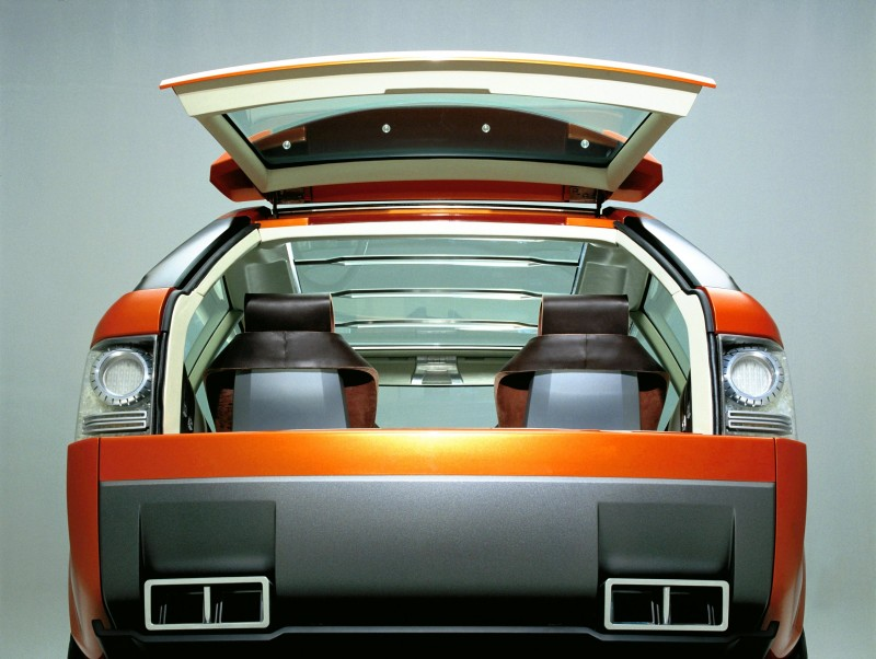 Concept Flashback - 2004 RANGE STORMER Previews High-Design SUV Supercars 7
