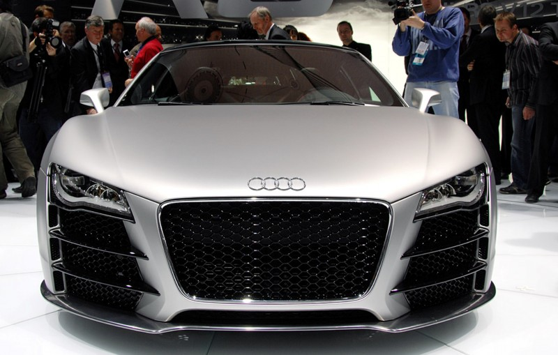 Concept Flashback - 2009 Audi R8 TDI V12 Shows Great Engineering Potential, But Limited Market 23
