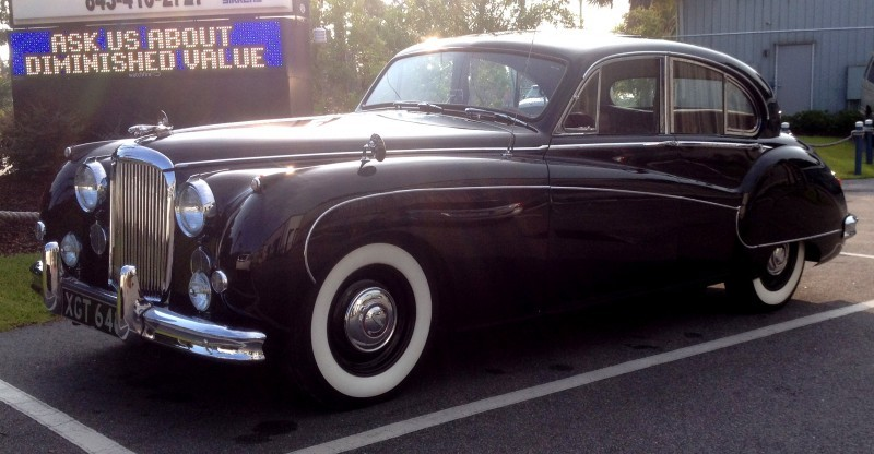 Iconic Classic - 1959 JAGUAR Mark IX Is Blue-Blood Royalty With Most Divine Cabin of the 1950s 14