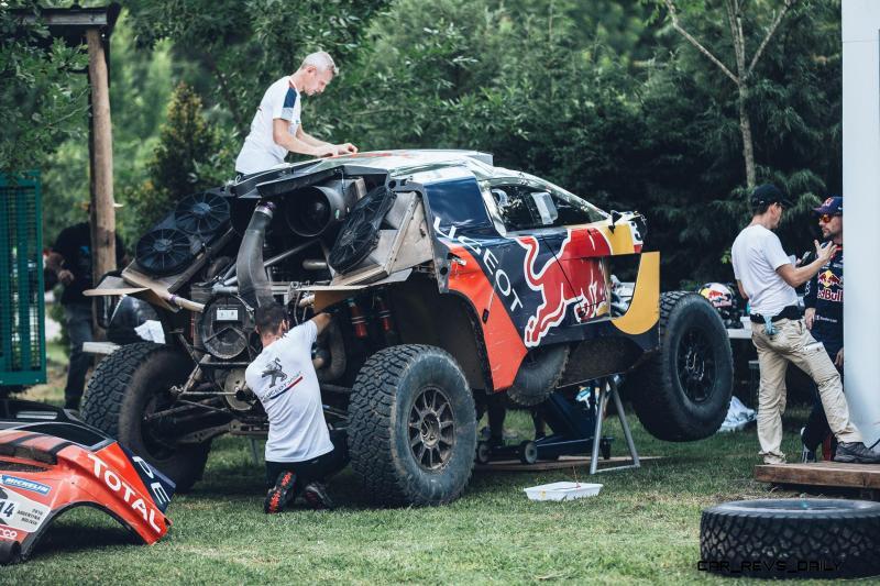 Rally Dakar 2016 Peugeot DKR16 Red Bull 10