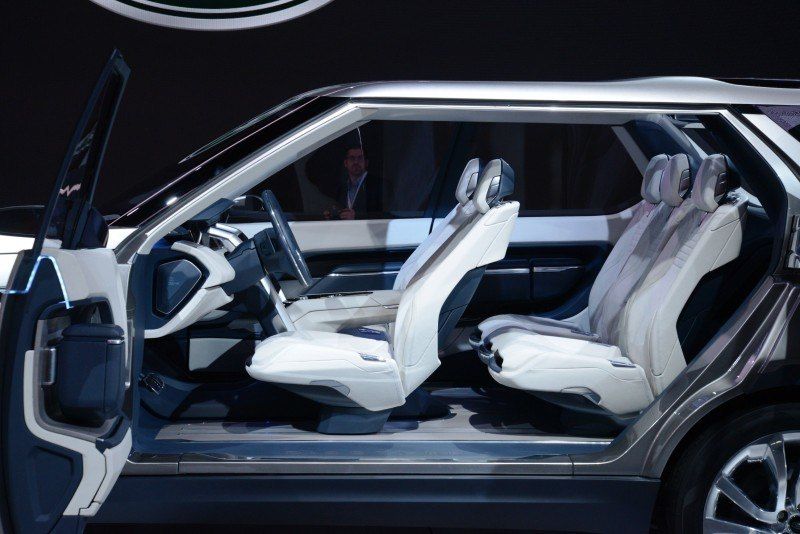 Update1 - Land Rover Discovery Concept Previews 2016 LR4 Discovery and 2015 LR2 Disco Sport 11