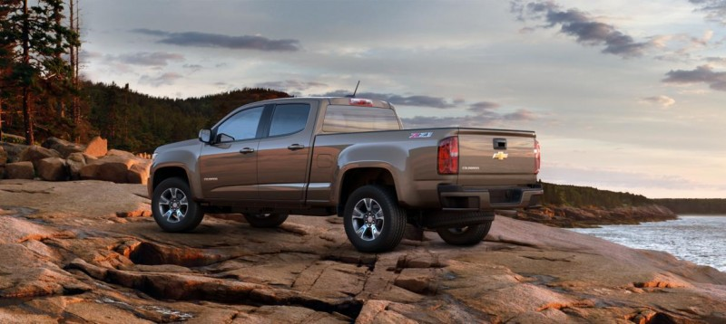 Updated With Pricing and Colors - 2015 Chevrolet Colorado Z71 Brings Cool Style, Big Power 51