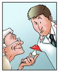 Una uomo anziano mostra un fungo ad un carabiniere dei N.A.S..