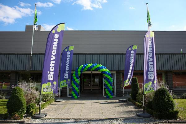 Meubles Belot - Event - Ferdidays - Caractère Event - Ferdinand le chien - Belot - Meubles et Décoration - Visuel showroom - Ballons - Entrée du Showroom