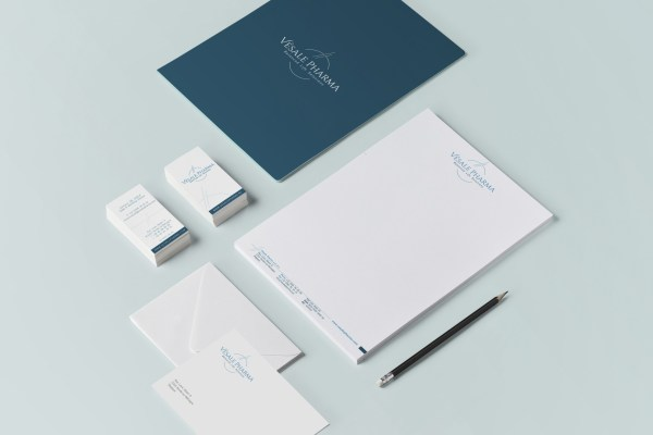 Vésale Pharma - Pharma - Probiotic Solutions - Balanced Life Solutions - Corporate - Identité visuelle - Caractère Advertising - Caractère - Communication - Mock up - Print