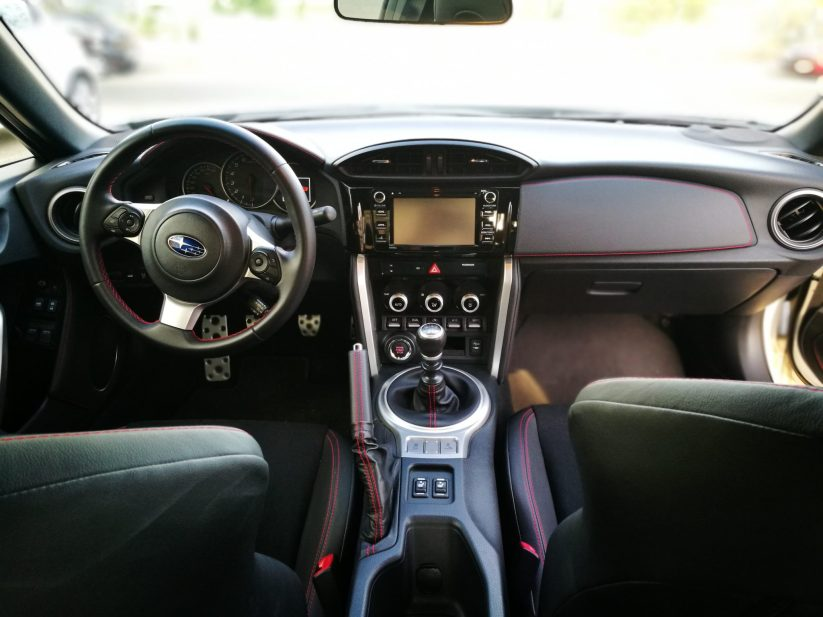 Interior Subaru BRZ 2017