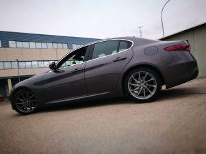 Alfa Romeo Giulia lateral