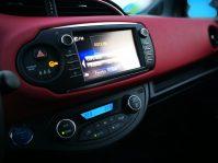 multimedia Toyota Yaris hibrido