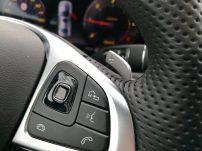 Mercedes Benz Clase E 220D mandos volante