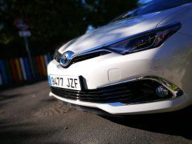 Frontal Toyota Auris Hybrid