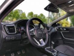 Puesto de conducción Kia Ceed Launch Edition