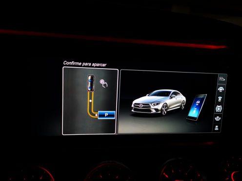 El CLS ofrece la posibilidad de aparcar a distancia utilizando nuestro smartphone