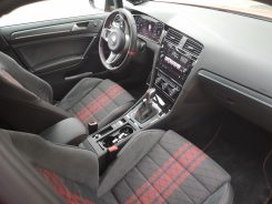 Golf GTI TCR - Interior- CAR and GAS