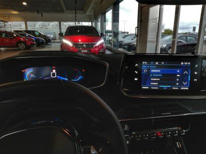 Puesto de conducción Peugeot I-Cockpit 3D