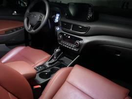 Tucson 2.0 CRDI 185 48V - Interior acabado Style