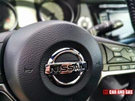 Emblema Nissan volante