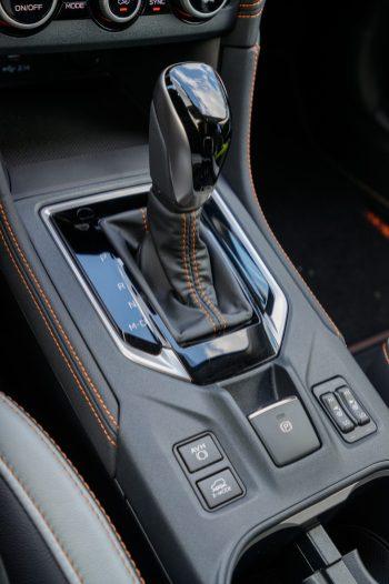 Subaru XV ECO HYBRID interior (12)