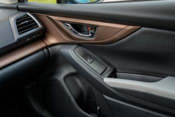 Subaru XV ECO HYBRID interior (18)