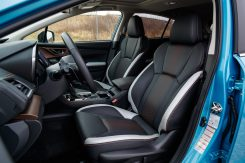 Subaru XV ECO HYBRID interior (2)