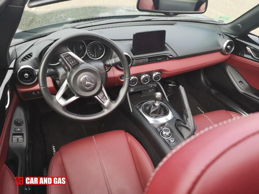 Interior MX-5 RF Dark Red Edition