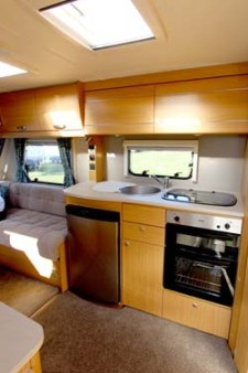 2014 Elddis Compass Corona 462 Kitchen