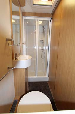 Elddis Compass Rallye 554 Shower room