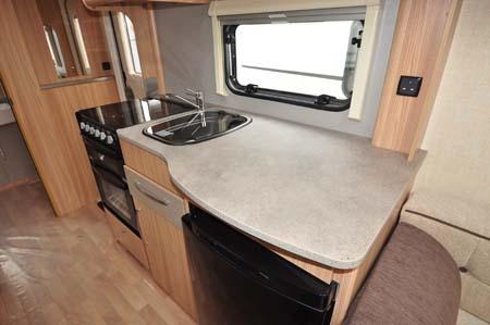Coachman Vision Xtra 520 kitchen