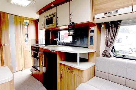 Swift Conqueror 530 caravan Kitchen